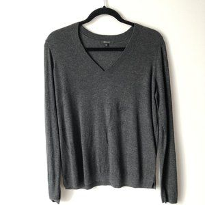 RW&CO. Medium Gray V-Neck Long Sleeve Shirt